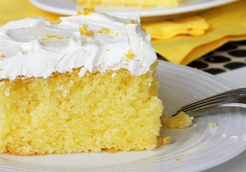 طرز تهیه کیک زیتون و تخم مرغ خوشمزه و مجلسی