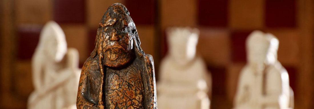 کشف مهره شطرنج قرون وسطایی پس از 200 سال ، مهره لوئیس به حراجی می رود
